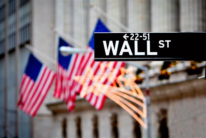 wall_street_sign_flags